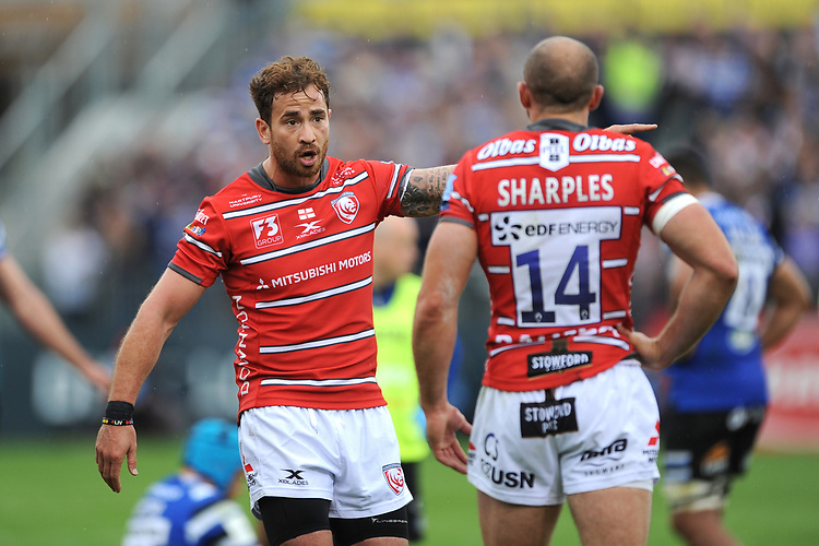 Danny Cipriani and Charlie Sharples of Gloucester Rugby discuss tactics during the Gallagher Premiership Rugby match between Bath Rugby and Gloucester Rugby at The Recreation Ground on Saturday 8th September 2018 (Photo by Rob Munro/Stewart Communications)