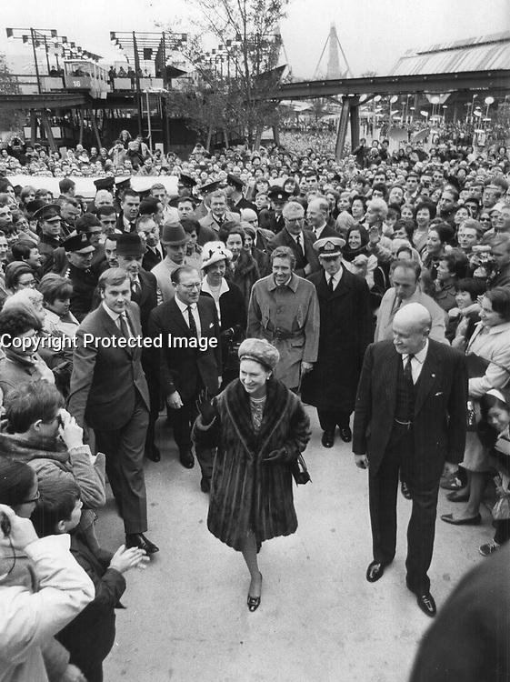 Visitors to expo 67 Margaret, Princess, Countess of Snowdon,<br /> <br /> Photo : Boris Spremo - Toronto Star archives - AQP