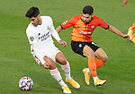 Real Madrid's Marco Asensio (l) and FC Shakhtar Donetsk's Tete during UEFA Champions League match. October 20,2020.(ALTERPHOTOS/Acero)