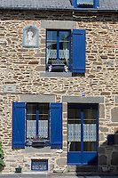 Europe/France/Bretagne/35/Ille et Vilaine/Cancale: Détail des maisons de Pêcheur du Port du Houle // France, Ille et Vilaine, cote d'emeraude (Emerald Coast), Cancale, Retail houses Fisherman's Port Houle