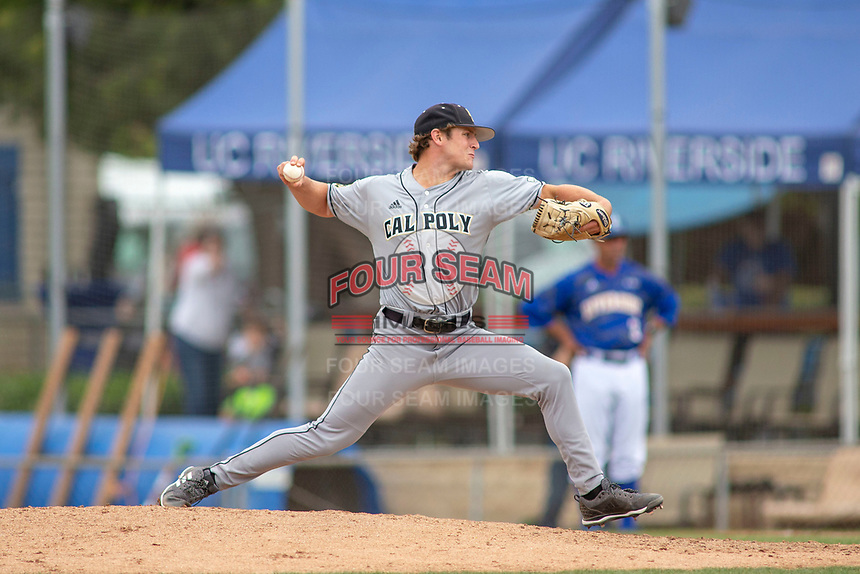Cal Poly San Luis Obispo Mustangs Austin Dondanville (40) delivers a pitch to the plate against the UC-Riverside Highlanders at Riverside Sports Complex on May 26, 2018 in Riverside, California. The Cal Poly SLO Mustangs defeated the UC Riverside Highlanders 6-5. (Donn Parris/Four Seam Images)