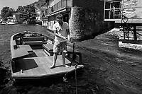 Lago di Como, Italia, Laglio, cantiere navale Ernesto Riva. Ernesto il nome della barca elettrica