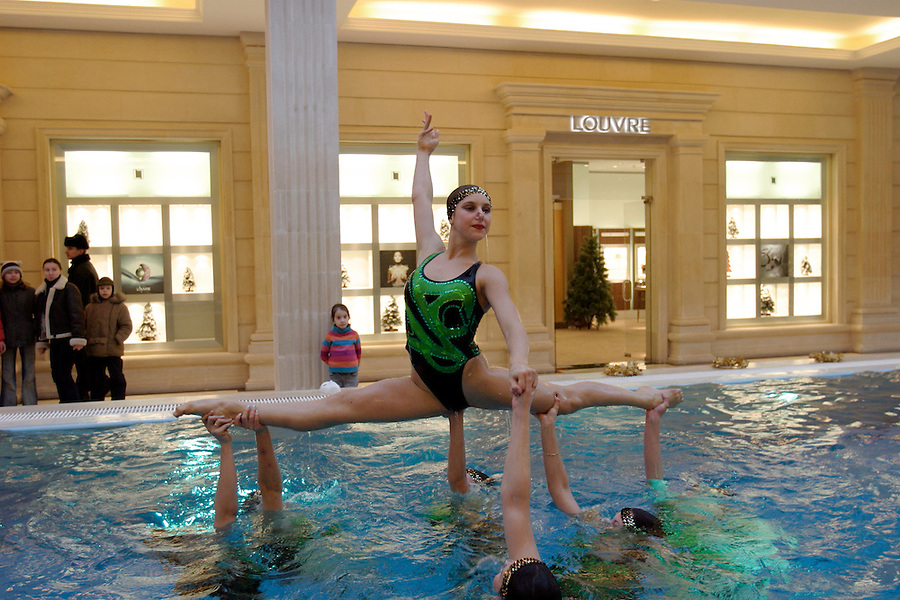 Moscow, Russia, 04/01/2004..Synchronised swimmming performance at the luxurious but largely deserted Crocus City shopping mall.