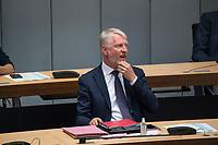 Plenarsitzung des Berliner Abgeordnetenhaus am Donnerstag den 20. August 2020.<br /> Im Bild: Sebastian Scheel (Linkspartei), Senator fuer Stadtentwicklung und Wohnen des Landes Berlin.<br /> Scheel ist der Nachfolger der zurueckgetretenen Senatorin Katrin Lompscher, zuvor war er der Staatssekretaer der Senatorin.<br /> 20.8.2020, Berlin<br /> Copyright: Christian-Ditsch.de<br /> [NUR FUER REDAKTIONELLE ZWECKE! Werbung nur auf Anfrage beim Fotografen. Inhaltsveraendernde Manipulation des Fotos nur nach ausdruecklicher Genehmigung des Fotografen. Vereinbarungen ueber Abtretung von Persoenlichkeitsrechten/Model Release der abgebildeten Person/Personen liegen nicht vor. NO MODEL RELEASE! Don't publish without copyright Christian-Ditsch.de, Veroeffentlichung nur mit Fotografennennung, sowie gegen Honorar, MwSt. und Beleg. Konto: I N G - D i B a, IBAN DE58500105175400192269, BIC INGDDEFFXXX, Kontakt: post@christian-ditsch.de<br /> Bei der Bearbeitung der Dateiinformationen darf die Urheberkennzeichnung in den EXIF- und  IPTC-Daten nicht entfernt werden, diese sind in digitalen Medien nach §95c UrhG rechtlich geschuetzt. Der Urhebervermerk wird gemaess §13 UrhG verlangt.]
