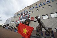 VOETBAL: HEERENVEEN: 18-12-2019, SC Heerenveen - Roda JC Bekerwedstrijd, Fan van de Vietnamese voetballer Doan Van Hau, uitslag 2-0, ©foto Martin de Jong