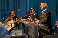 Opening Ceremony of the XXI Center Jacques Cartier's Entretiens, tribute to singer Gilles Vigneault, October 2008<br /> PHOTO :  Agence Quebec presse