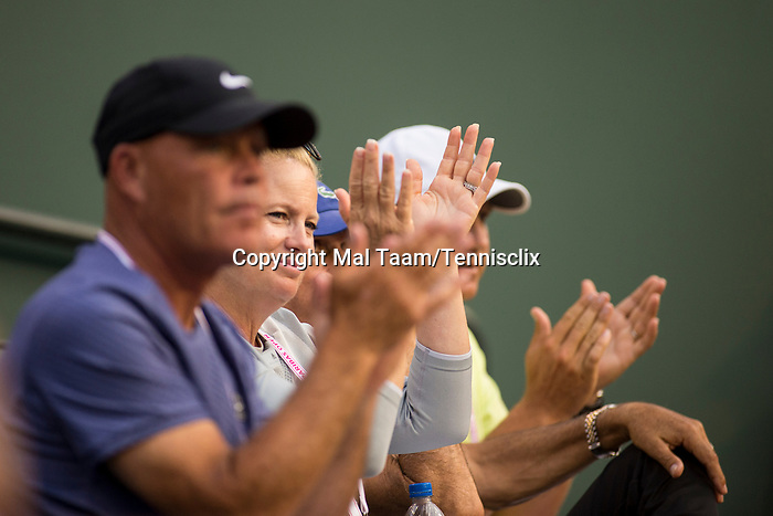 March 11, 2018: Caroline Dolehide's Players Box cheers her on but Dolehide (USA) was defeated by Simona Halep (ROU) 1-6, 7-6 (3), 6-2 at the BNP Paribas Open played at the Indian Wells Tennis Garden in Indian Wells, California. ©Mal Taam/TennisClix/CSM