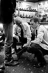George Glasgow und Adam Law Pekka Leppanen<br /> Schuhe von George Cleverley <br /> <br /> Engl.: Europe, England, Great Britain, London, shoes handmade by George Cleverly, handicraft, tradition, shoemaker, employee George Glasgow and Adam Law, June 2013