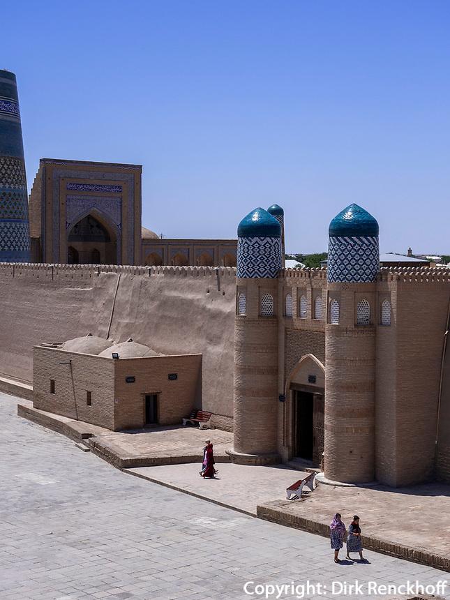 Eingang der Festung, Xiva, Usbekistan, Asien, UNESCO-Weltkulturerbe<br /> entrance of fortress, historic city Ichan Qala, Chiwa, Uzbekistan, Asia, UNESCO heritage site