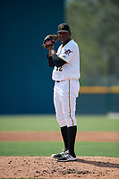 Pittsburgh Pirates pitcher Angel German (31) gets ready to deliver a pitch during an Instructional League game against the New York Yankees on September 28, 2017 at Pirate City in Bradenton, Florida.  (Mike Janes/Four Seam Images)