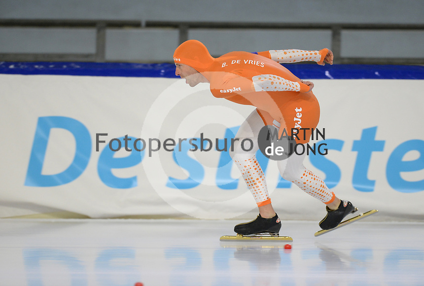 SCHAATSEN: HEERENVEEN: 10-10-2020, KNSB Trainingswedstrijd, Bob de Vries, ©foto Martin de Jong