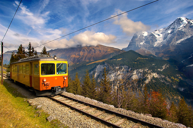 Murren fenicular Train - Switzerland