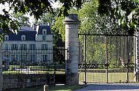 Europe/France/Aquitaine/33/Gironde: Le portail du chateau Citran (AOC Haut-Médoc)