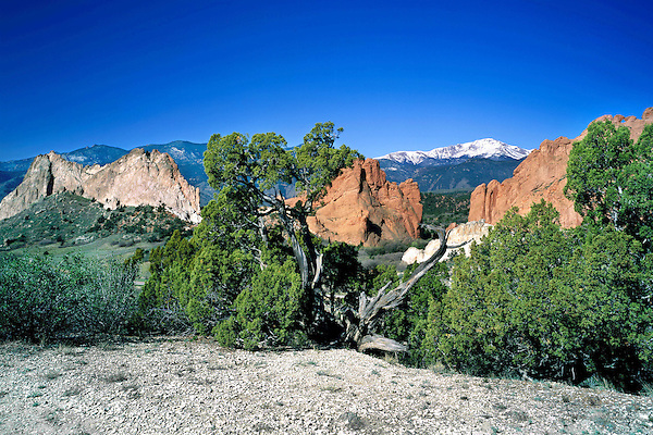 Pikes Peak and Garden of the Gods State Park, Colorado Springs, Colorado. John leads private photo tours throughout Colorado, year-round.