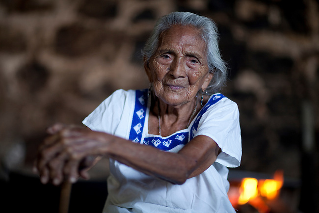 Indigenous group Itza once had a big representation in Yucatan. Today the last tousand Itzas live  at lake Itza at the edge of the Mayan Biosphere Reserve. There are only 17 fluent speakers left. Oe of them is 95 year old Dona Sabina.