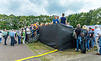 Rosmalen, Netherlands, 11 June, 2019, Tennis, Libema Open, No more seats, spectators waiting to get in court 3 but have no chance the court is full<br /> Photo: Henk Koster/tennisimages.com
