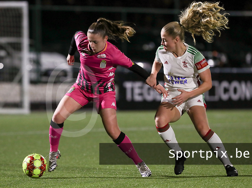 Chrystal Lermusiaux (2 Charleroi)  and Tess Lameir (14 OHL)  in action during a female soccer game between Oud Heverlee Leuven and Sporting de Charleroi on the seventh matchday of the 2020 - 2021 season of Belgian Womens Super League , sunday 15 th of November 2020  in Heverlee , Belgium . PHOTO SPORTPIX.BE | SPP | SEVIL OKTEM