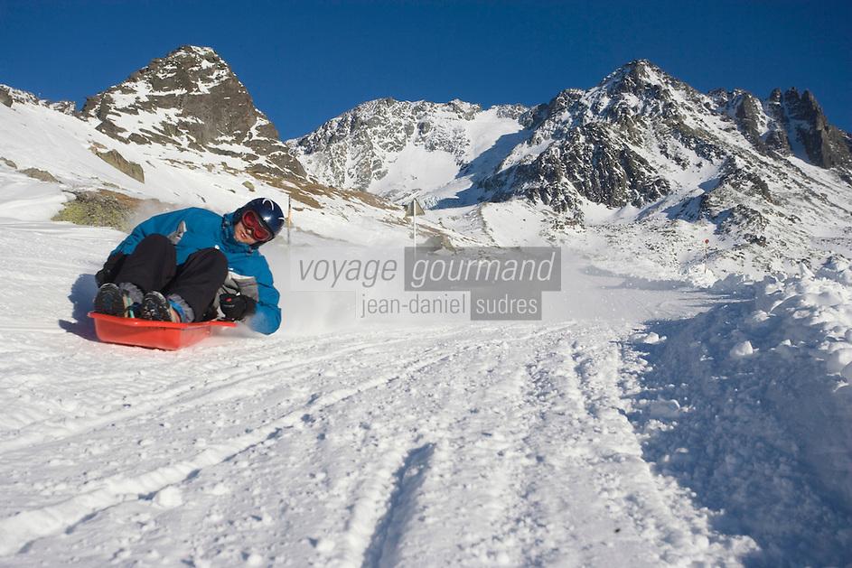 Europe/France/Rhone-Alpes/73/Savoie/Val-Thorens : La piste de luge, au pied des l'aiguille de Péclet