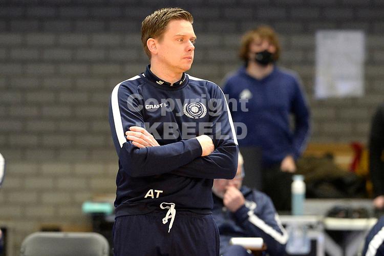 30-01-2021: Volleybal: Amysoft Lycurgus v Talentteam Papendal: Groningen Lycurgus coach Arjan Taaij