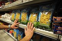 Roma.Ipermercato Coop Casilino.Coop Hypermarket Casilino. Roma.Libera terra.Prodotti delle terre confiscate alla mafia. Free land. Products of the lands confiscated from the Mafia..
