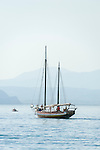 Italy, Veneto, Lake Garda, Bardolino: sailling trip on lake Garda, even at still air an experience | Italien, Venetien, Gardasee, Bardolino: Segeltoern auch bei fast Windstille ein Erlebnis