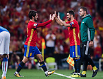 Isco (L) of Spain shakes hands with substitute David Villa (R) of Spain during their 2018 FIFA World Cup Russia Final Qualification Round 1 Group G match between Spain and Italy on 02 September 2017, at Santiago Bernabeu Stadium, in Madrid, Spain. Photo by Diego Gonzalez / Power Sport Images