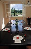 Europe/France/Aquitaine/33/Gironde/Saint-Julien: château Lagrange (AOC Saint-Julien) - La salle à manger