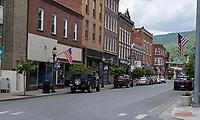 Hinton, West Virginia. Temple Street Street Scene.