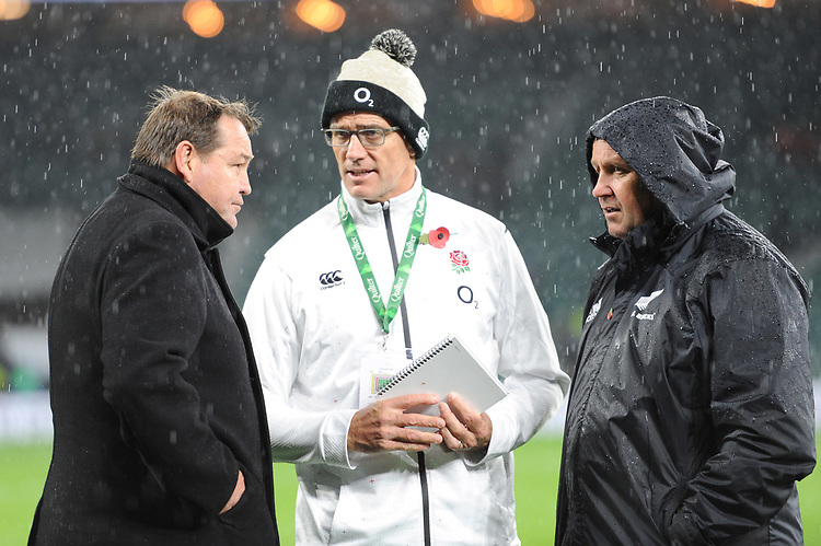 (L-R) Steve Hansen, New Zealand Coach, John Mitchell, England Defence Coach and Ian Foster, New Zealand Assistant Coach, talk after the Quilter International match between England and New Zealand at Twickenham Stadium on Saturday 10th November 2018 (Photo by Rob Munro/Stewart Communications)