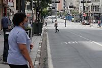 Campinas (SP), 17/03/2021 - Toque de recolher/Covid -  Movimentação na Av Francisco Glicério, nessa quarta-feira (17).  <br /> O toque de recolher anunciado ontem (16) pela Prefeitura de Campinas (SP) pretende restringir ainda mais a quarentena de covid-19 na cidade, após o colapso da rede de saúde. A intenção na prática é retirar a população da rua a partir das 20h até as 5h, com abordagens policiais e fechamento de supermercados - que até então podiam funcionar sem restrição de horário. <br /> A nova medida começa amanhã (18) e vale até o dia 30 de março, seguindo a fase emergencial no estado de São Paulo.