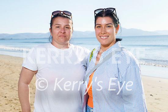 Enjoying a stroll on Banna beach on Sunday, l to r: Ankica and Ramona Scur.