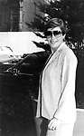 Helen Reddy walking on 56th street in New York on 10/13/1980
