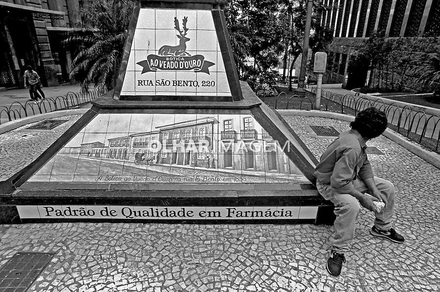 Praça Antonio Prado, centro histórico de São Paulo. 1989. Foto de Juca Martins.