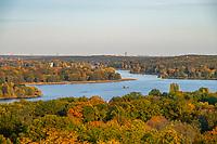 Blick vom Belvedere auf dem Pfingstberg auf die Seen der Havel und die Skyline von Berlin, Potsdam, Brandenburg, Deutschland