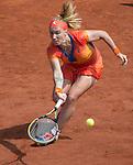 Svetlana Kuznetsova (RUS) splits the first two sets against Petra Kvitova (CZE) at Roland Garros