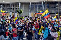 YUMBO - COLOMBIA, 02-06-2021: Cientos de personas salieron a las calles de la ciudad de Yumbo durante el día 35 del Paro Nacional en Colombia hoy, 02 de junio de 2021, para protestar por la reforma tributaria que adelanta el gobierno de Ivan Duque además de la precaria situación social y económica que vive Colombia. El paro fue convocado por sindicatos, organizaciones sociales, estudiantes y la oposición. / Hundreds of people took to the streets of the city of Yumbo during the 35th day of the National Strike in Colombia today, June 2, 2021, to protest the tax reform carried out by the government of Ivan Duque in addition to the precarious social and economic situation that Colombia lives. The strike was called by unions, social organizations, students and the opposition. Photo: VizzorImage / Santiago Castro / Cont
