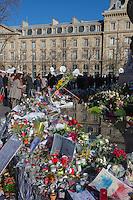 Europe, France, Ile de France, Paris: Place de la République est une place située à la limite des 3e, 10e et 11e arrondissements de Paris. Le monument à la République; Attentats: les Parisiens se rassemblent place de la République pour y rendre hommage aux victimes des attentats