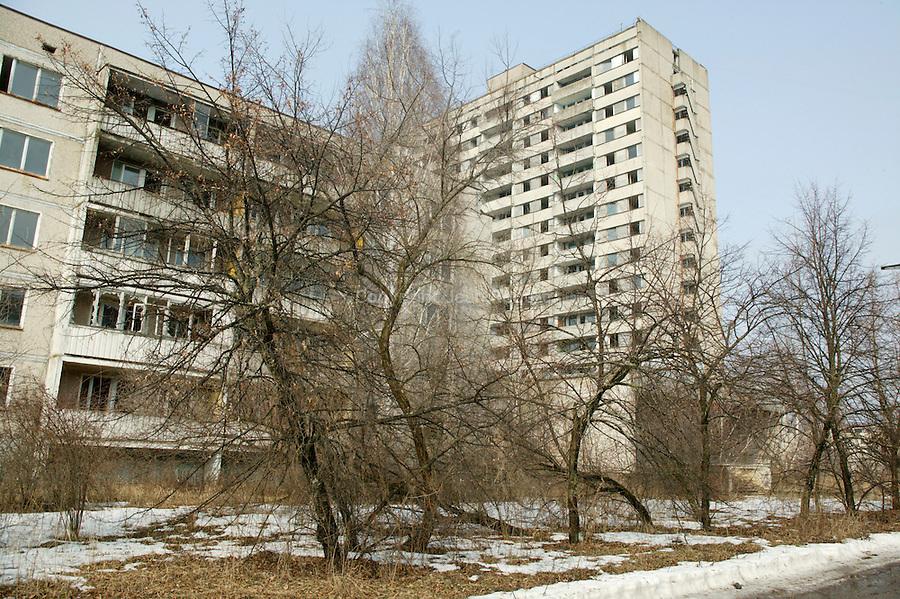 Pripyat, Chernobyl contaminated territories, Ukraine. Town for workers and their families llocated 5 km from the reactor. 45  0000 inhabitants were evacuated April 27, 1986. Since this date, it's a dead town.Pripiat, territoires contaminés de Tchernobyl, Ukraine. située à 5 km du réacteur cette ville qui herbergeait 45 0000 habitants (les travailleurs de la centrale et leurs familles) a été evacuée le 27 avril 1986.