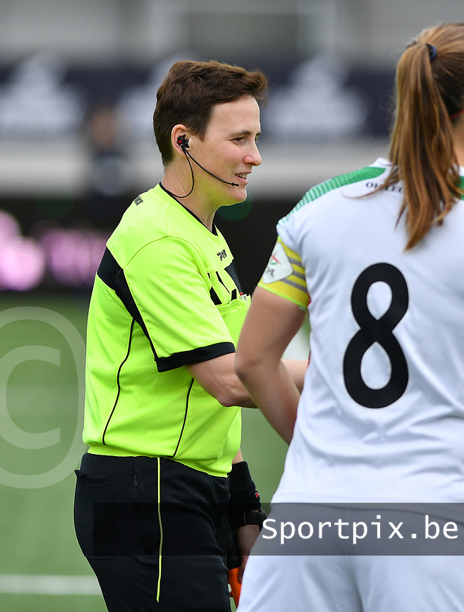 assistant referee Ella De Vries pictured during a female soccer game between Club Brugge Dames YLA and Oud Heverlee Leuven on the 8 th matchday of the 2020 - 2021 season of Belgian Scooore Womens Super League , saturday 21 th November 2020  in Knokke , Belgium . PHOTO SPORTPIX.BE | SPP | DAVID CATRY