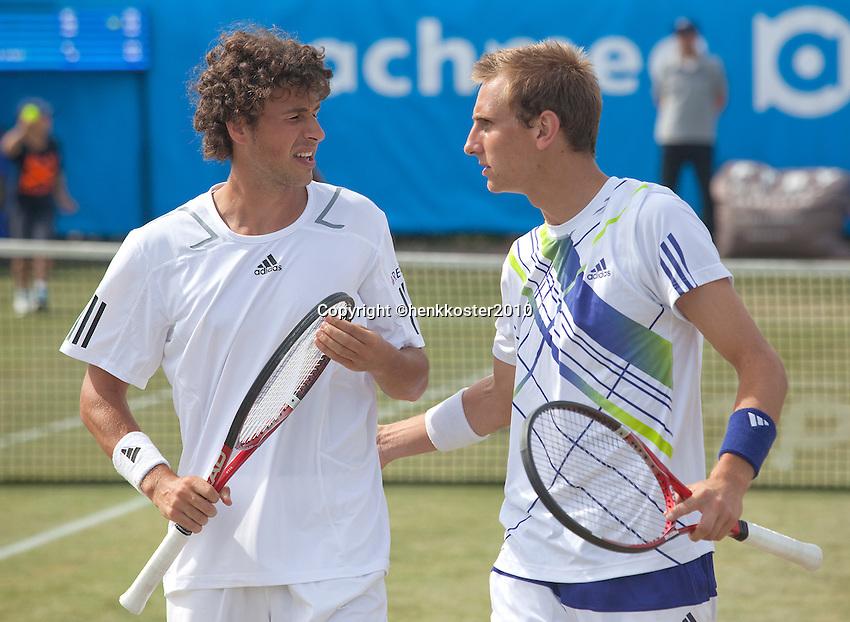 17-06-10, Tennis, Rosmalen, Unicef Open,  Thiemo de Bakker en Robin Haase(L).
