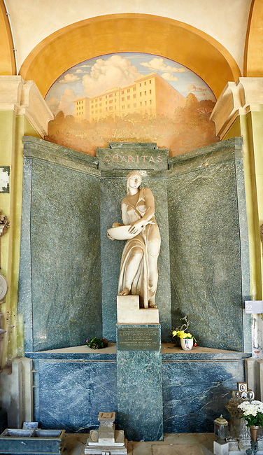 Picture of the Art Deco stone sculpture women of the Masnata tomb sculpted by E de Albertis 1935. Section A, no 22, The monumental tombs of the Staglieno Monumental Cemetery, Genoa, Italy