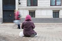 Bettlerin in Riga.<br />18.3.2012, Riga/Lettland<br />Copyright: Christian-Ditsch.de<br />[Inhaltsveraendernde Manipulation des Fotos nur nach ausdruecklicher Genehmigung des Fotografen. Vereinbarungen ueber Abtretung von Persoenlichkeitsrechten/Model Release der abgebildeten Person/Personen liegen nicht vor. NO MODEL RELEASE! Don't publish without copyright Christian-Ditsch.de, Veroeffentlichung nur mit Fotografennennung, sowie gegen Honorar, MwSt. und Beleg. Konto: I N G - D i B a, IBAN DE58500105175400192269, BIC INGDDEFFXXX, Kontakt: post@christian-ditsch.de<br />Urhebervermerk wird gemaess Paragraph 13 UHG verlangt.]