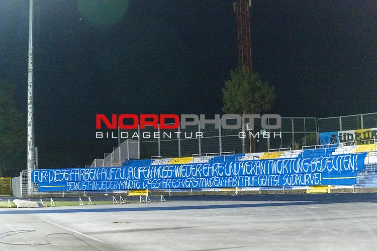 12.09.2020, Ernst-Abbe-Sportfeld, Jena, GER, DFB-Pokal, 1. Runde, FC Carl Zeiss Jena vs SV Werder Bremen<br /> <br /> Banner Suekurde der JENA Fans <br /> <br /> FÜR DIESE FARBEN ….<br /> <br /> <br />  <br /> <br /> <br /> Foto © nordphoto / Kokenge