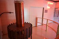 CROATIA, Smiljan, Nikola Tesla Museum, birth place of inventor and physican Nikola Tesla born 10.7.1856, died 7.1.1943, model of Tesla Experimental Station in Colorado Springs, built in 1899 by inventor Nikola Tesla and for his study of the use of high-voltage, high-frequency electricity in wireless power transmission / KROATIEN, Smiljan, Nikola Tesla Museum, der Erfinder und Physiker Nikola Tesla wurde hier 1856  geboren, nach Nikola Tesla ist seit 1960 die physikalische Einheit der magnetischen Flussdichte benannt, nach Nikola Tesla benannte sich Tesla Inc. von Elon Musk, dem kalifornischen Hersteller von Elektroautos mit Wechselstrommotor, Nachbau der Tesla Coil des Colorado Springs Labors 1899-1900