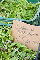 Europe/France/Provence-Alpes-Côte d'Azur/06/Alpes-Maritimes/Nice: Mesclun sur le marché  du Cours Saleya