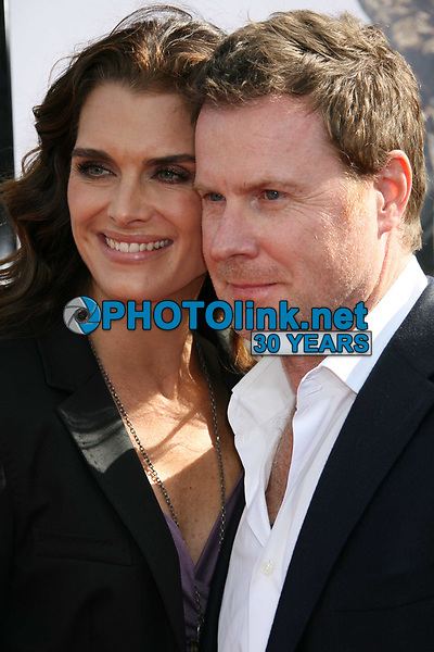 Brooke Shields and husband Chris Henchy 5.30.2009 Photo by Nick Sherwood-PHOTOlink