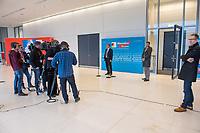 AfD im Bundestag.<br /> Im Bild links vor der AfD-Pressewand: Bernd Baumann, Parlamentarischer Geschaeftsfuehrer der AfD-Bundestagsfraktion bei einem Pressestatement. Er wurde zur Meinung der AfD zur Vereinbarung zwischen CDU/CSU und SPD bei den Koalitionsverhandlungen zum Familiennachzug gefragt, der in den Verhandlungen am Vorabend beschlossen wurde. Er wusste nichts von der Vereinbarung, betonte aber, dass die AfD gegen diese Vereinbarung sei.<br /> Rechts vor der Pressewand: AfD-Pressechef Christian Lueth.<br /> 30.1.2018, Berlin<br /> Copyright: Christian-Ditsch.de<br /> [Inhaltsveraendernde Manipulation des Fotos nur nach ausdruecklicher Genehmigung des Fotografen. Vereinbarungen ueber Abtretung von Persoenlichkeitsrechten/Model Release der abgebildeten Person/Personen liegen nicht vor. NO MODEL RELEASE! Nur fuer Redaktionelle Zwecke. Don't publish without copyright Christian-Ditsch.de, Veroeffentlichung nur mit Fotografennennung, sowie gegen Honorar, MwSt. und Beleg. Konto: I N G - D i B a, IBAN DE58500105175400192269, BIC INGDDEFFXXX, Kontakt: post@christian-ditsch.de<br /> Bei der Bearbeitung der Dateiinformationen darf die Urheberkennzeichnung in den EXIF- und  IPTC-Daten nicht entfernt werden, diese sind in digitalen Medien nach §95c UrhG rechtlich geschuetzt. Der Urhebervermerk wird gemaess §13 UrhG verlangt.]