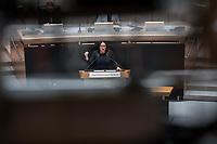 """Plenarsitzung des Berliner Abgeordnetenhaus am Donnerstag den 30. April 2020.<br /> Im Bild: Gesundheitsenatorin Dilek Kalayci (SPD) waehrend der Aktuellen Stunde zum Thema """"Coronakrise meistern: Existensaengste und Gesundheitsschutz ernst nehmen"""".<br /> 30.4.2020, Berlin<br /> Copyright: Christian-Ditsch.de<br /> [NUR FUER REDAKTIONELLE ZWECKE! Werbung nur auf Anfrage beim Fotografen. Inhaltsveraendernde Manipulation des Fotos nur nach ausdruecklicher Genehmigung des Fotografen. Vereinbarungen ueber Abtretung von Persoenlichkeitsrechten/Model Release der abgebildeten Person/Personen liegen nicht vor. NO MODEL RELEASE! Don't publish without copyright Christian-Ditsch.de, Veroeffentlichung nur mit Fotografennennung, sowie gegen Honorar, MwSt. und Beleg. Konto: I N G - D i B a, IBAN DE58500105175400192269, BIC INGDDEFFXXX, Kontakt: post@christian-ditsch.de<br /> Bei der Bearbeitung der Dateiinformationen darf die Urheberkennzeichnung in den EXIF- und  IPTC-Daten nicht entfernt werden, diese sind in digitalen Medien nach §95c UrhG rechtlich geschuetzt. Der Urhebervermerk wird gemaess §13 UrhG verlangt.]"""