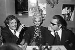 EGON FURSTENBERG CON PALOMA PICASSO E KARL LAGERFELD<br /> JACKIE 0' ROMA 1978