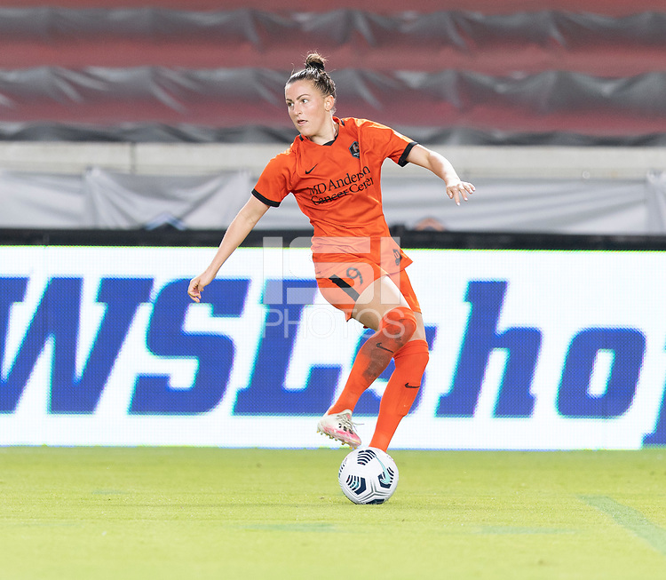 HOUSTON, TX - SEPTEMBER 10: Haley Hanson #9 of the Houston Dash stops the ball and looks to pass it during a game between Chicago Red Stars and Houston Dash at BBVA Stadium on September 10, 2021 in Houston, Texas.